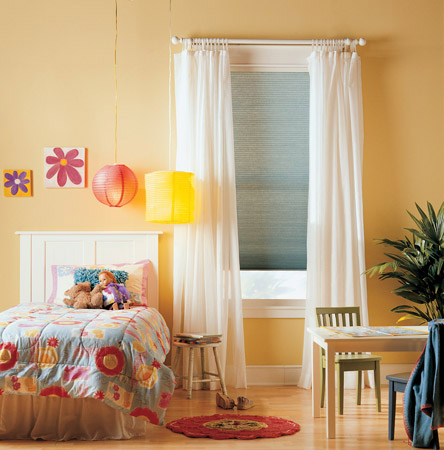 Window blinds wood blind treatments canada budget blinds for Budget blinds motorized shades